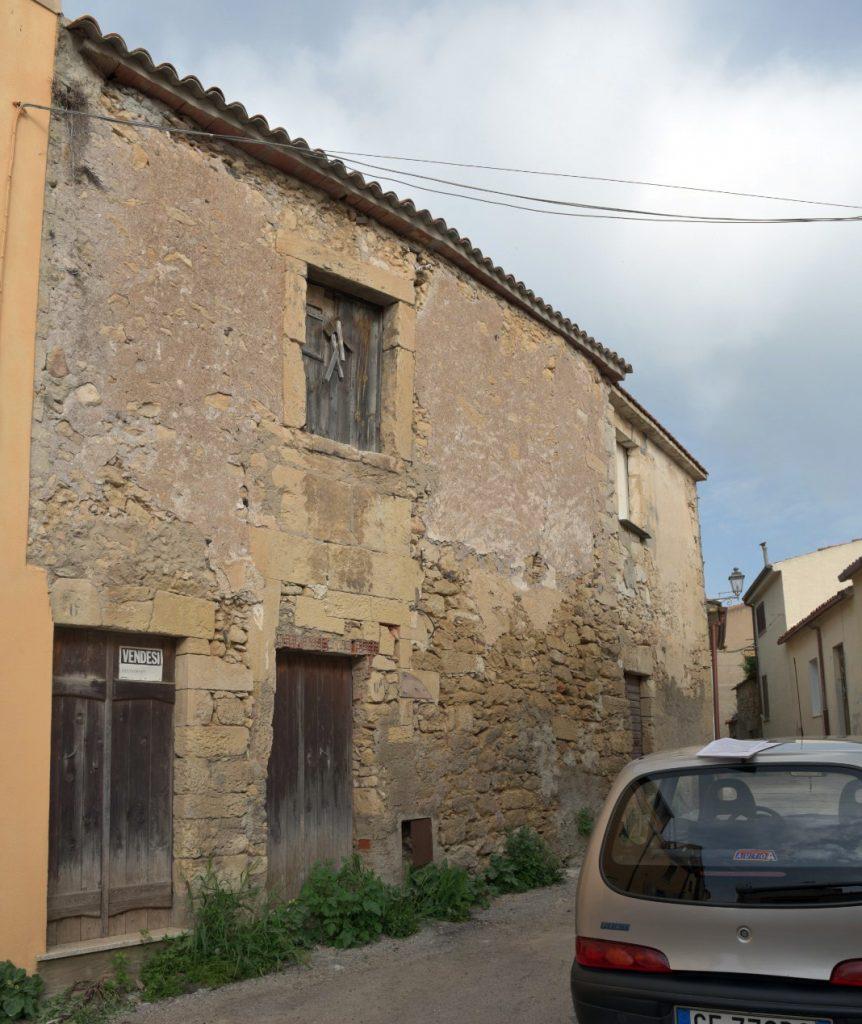 nulvi 1 Euro Houses